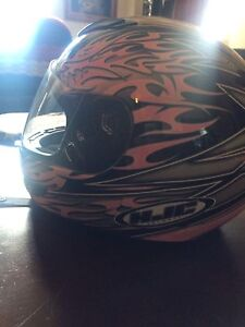 Ladies' motorcycle helmet