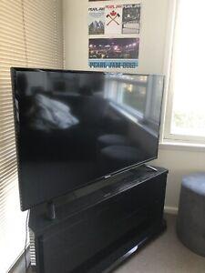 """Hisense 49R4 Series 4 49"""" Full HD LED TV"""