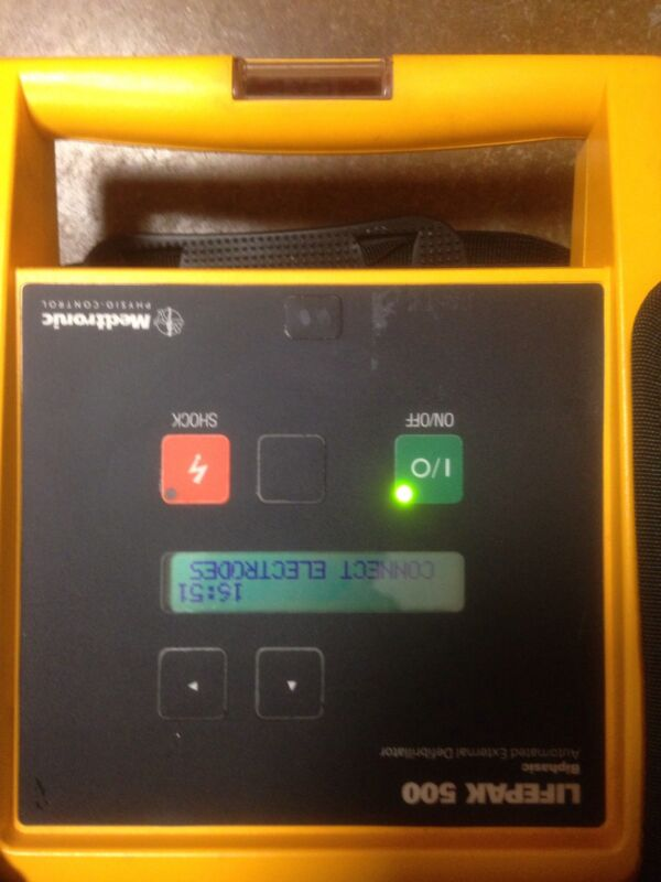 Medtronic Physio Control Lifepak 500 unit with case