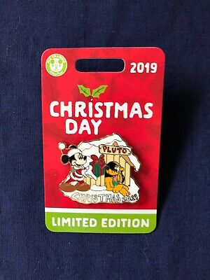 Disney Parks Christmas Day 2019 Mickey Mouse & Pluto Pin LE 5000 NOC ()