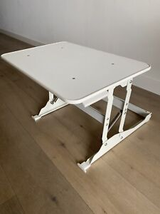 Sit stand workstation stand desk riser in white