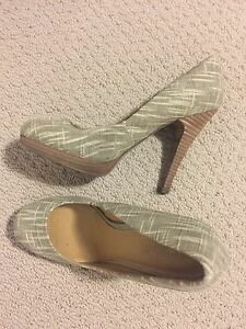 Size 8 - 8 1/2 Women's Shoes