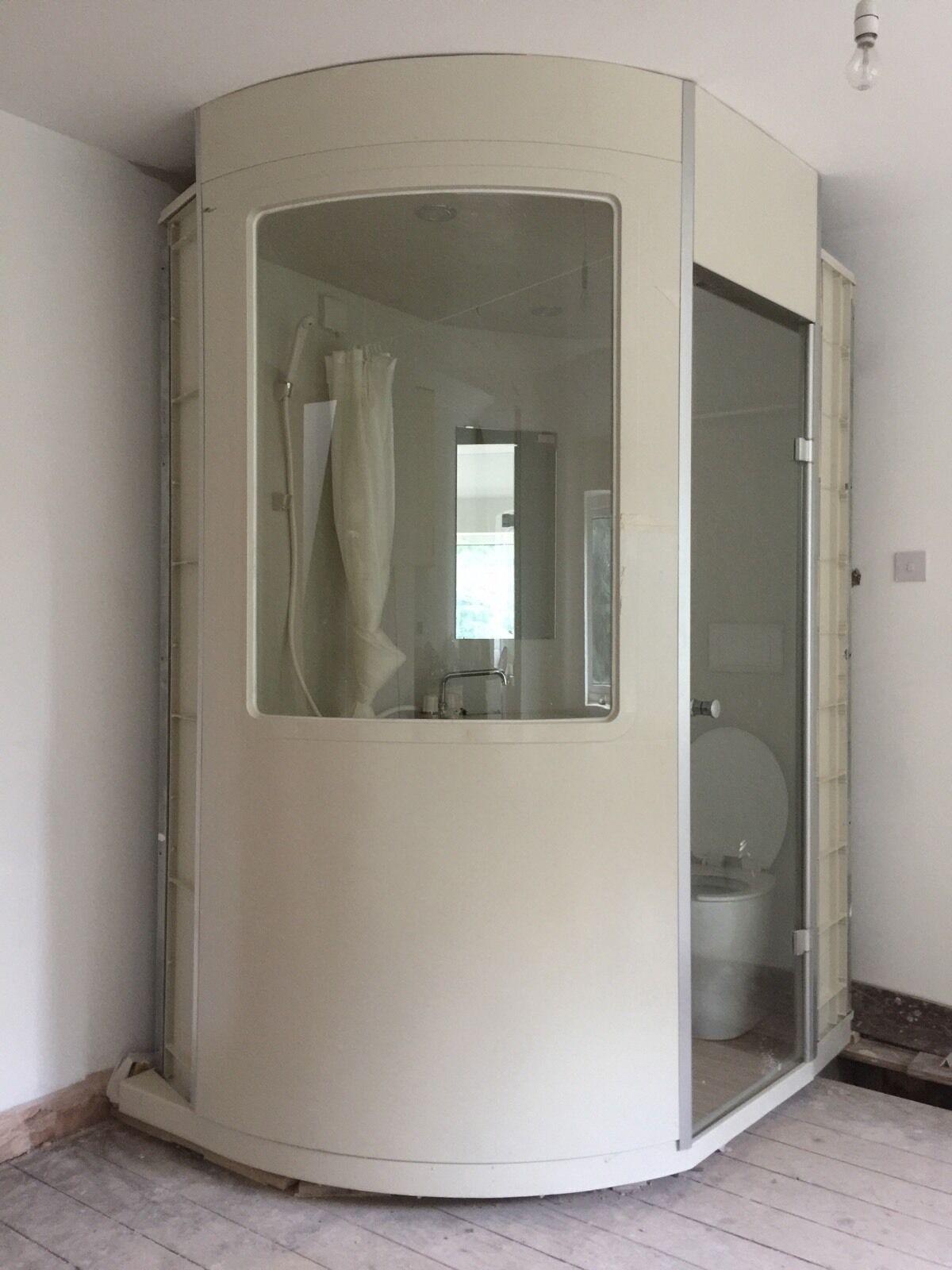 Bathroom pods prefabricated capsules modular en suites for Bathroom 00