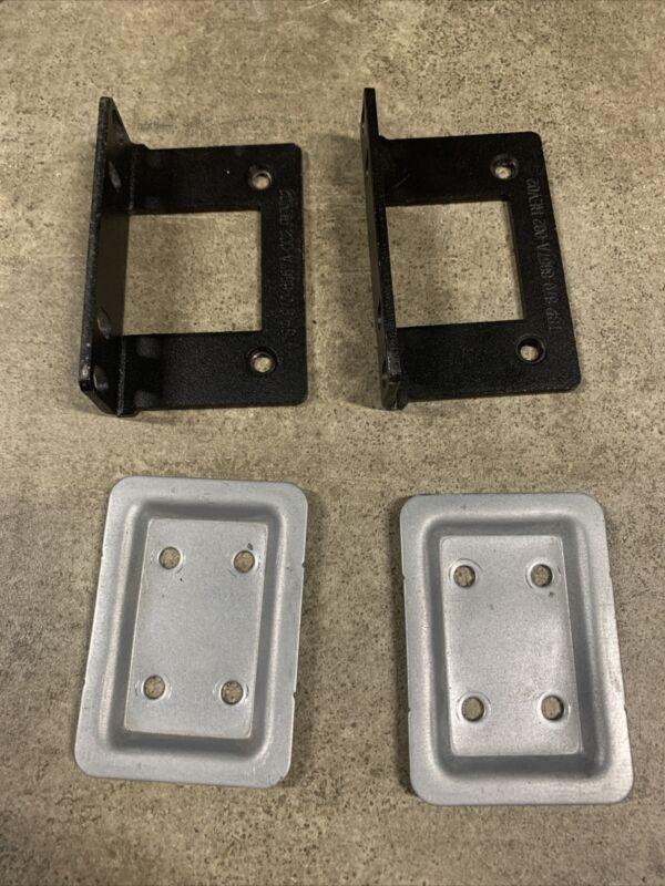 APC SMT   mounting ears for SMT 750 1000, 1500, 2200, 3000, 2U ( 870-6857 mpn)