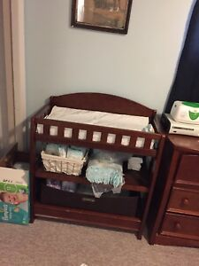 Changing table with pad