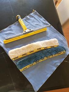 Enjo window cleaning bundle $60 Alexander Heights Wanneroo Area Preview