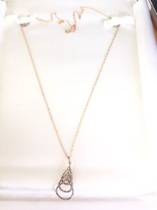 Diamond pendant and chain rose gold