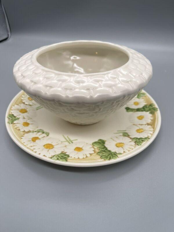 Metlox Poppytrail Sculptured Daisy Vintage Gravy Bowl Chip & Dip