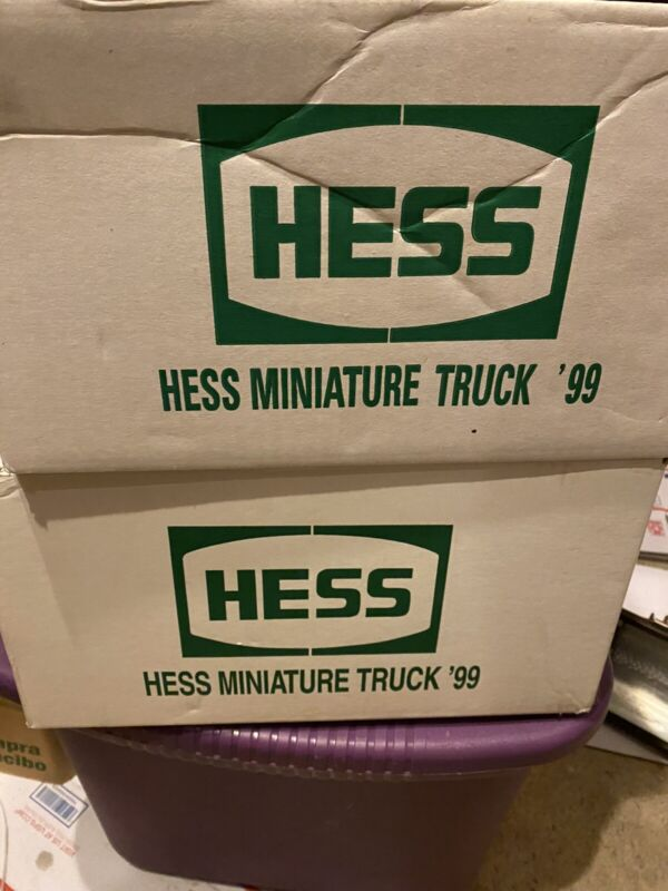 1999 hess miniature fire truck 24 Trucks Full Box Mint Condition