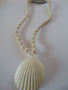 SUMMER SIMPLE CREAM BEACH SEASHELL PENDANT TWISTED CORD NECKLACE new gift pouch