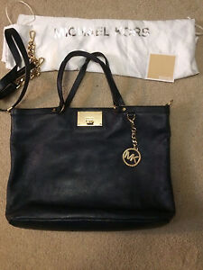 $175 firm Michael Kors authentic leather purse