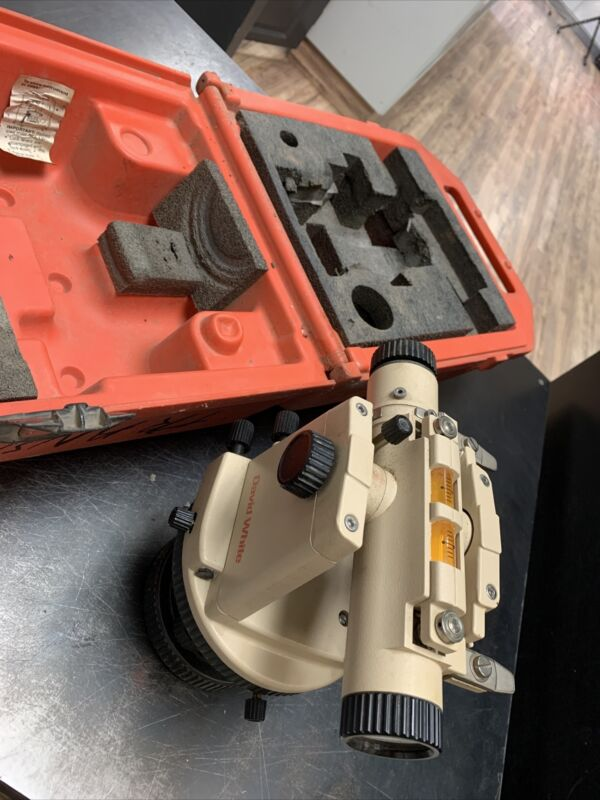 David White LT8-300 Transit Level Optical Plummet w/ Case