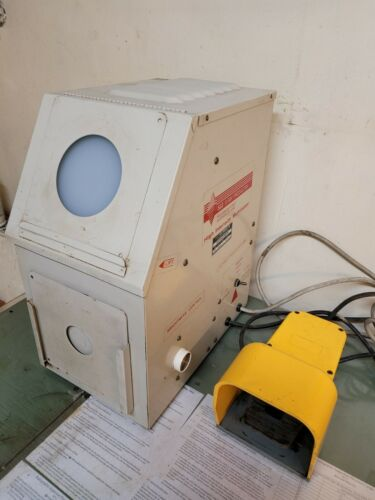 S&S High Intensity X-Ray Illuminator / Film Viewer, 118V, 60Hz, Model 185