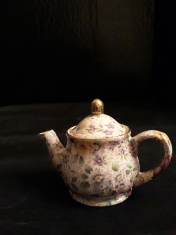 Arthur WOOD Miniature Chinge Teapit