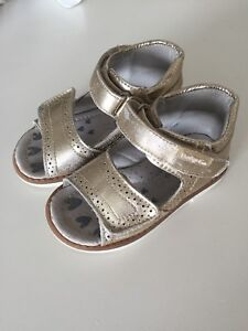 Sandals for toddler girl size 7