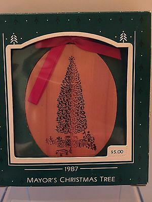 1987 Hallmark: Mayor's Christmas Tree, Oval Tree, VERY RARE