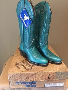 Brand new leather wrangler boots (size 5.5)