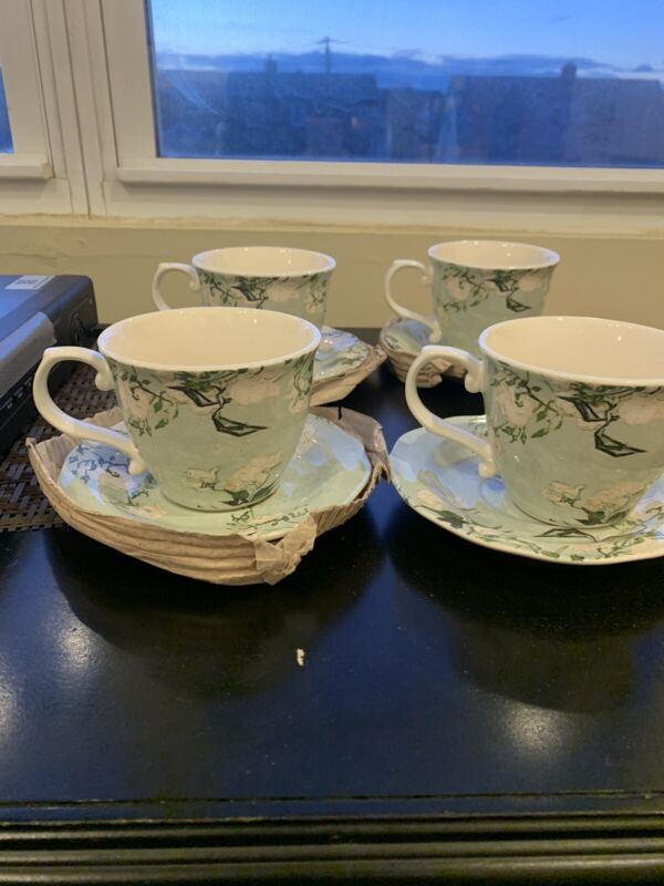 The MET Van Gogh Roses Teacup And Saucer Set NEW IN BOX