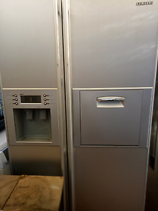 Samsung fridge freezer $500 Ambarvale Campbelltown Area Preview