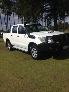 2011 Toyota Hilux dual cab turbo diesel 4x4 ute in good condition