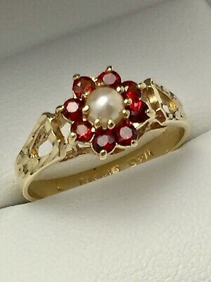 Vintage 9ct Yellow Gold Garnet & Pearl Flower Cluster Ring Size N