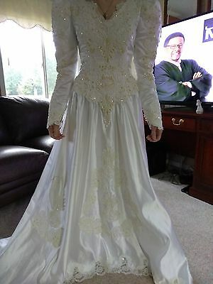 FOREVER YOURS Int'l BRIDAL Gown Size 10* LONG TRAIN SEQUINS White WEDDING (Forever Yours Bridal)