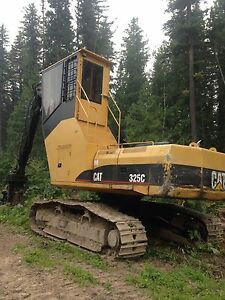 Cat 325C Log Loader