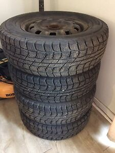 Hiver 195/70R14 comme neuf
