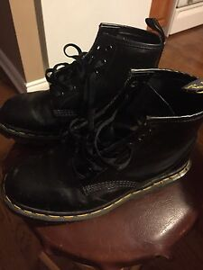 Women's Size 5 Doc Martens almost new
