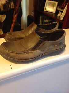 Size 6 ladies loafers Born