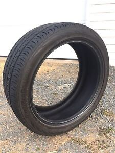 1 continental tire. Like new. 235/40 18