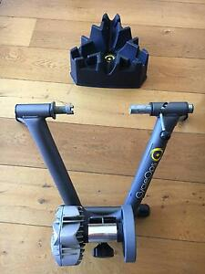 Cycleops Fluid 2 - Indoor cycling trainer (with riser) Middle Park Port Phillip Preview