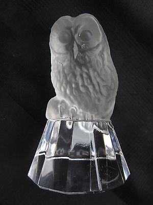 Eule aus Glas / 400 Gramm 9,5cm hoch auf Sockel mit Facetten Eule= matt