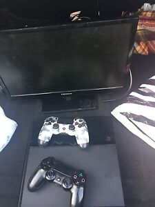 Ps4 with games and monitor