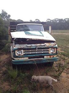 Dodge 400 Flatbed truck Medlow Bath Blue Mountains Preview