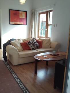 Unley - Fully Furnished, Pet Friendly Courtyard Home Min 3 Mths