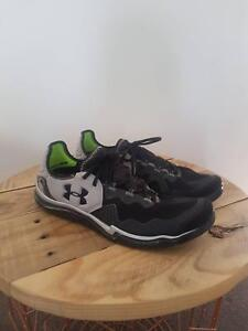 Mens UnderArmour Sneakers Running Shoes Size 12 Black Grey