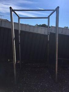 Squat rack Thornton Maitland Area Preview