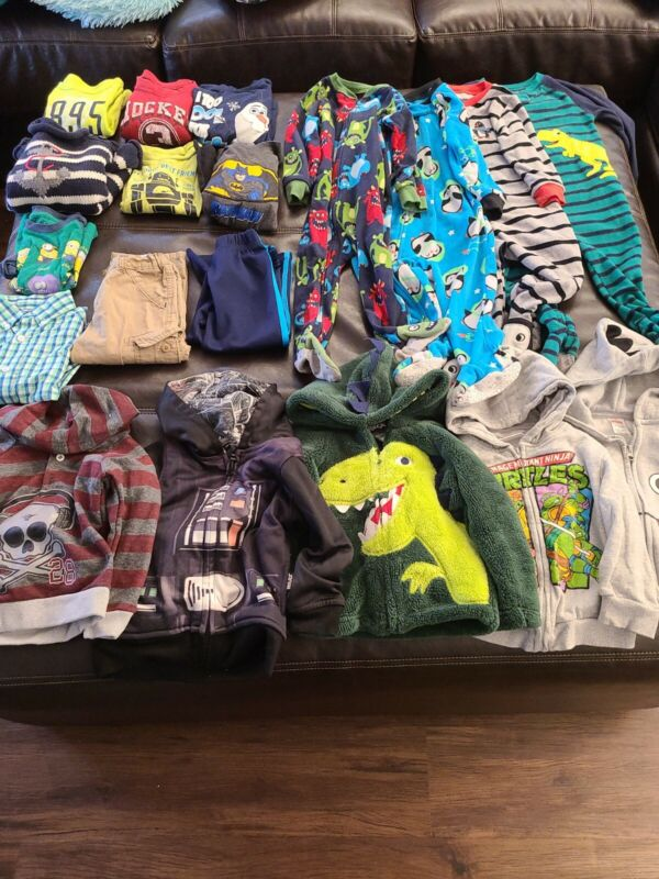 Boys Clothes 2T Lot 19 Pieces Fall Winter Hoodies, pajamas, Long Sleeve/Pants