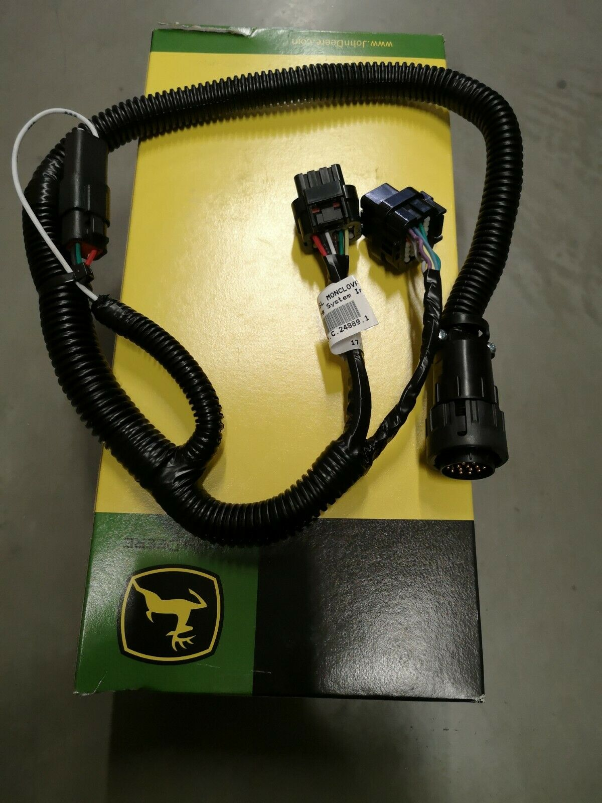 Genuine John Deere Display cable Wiring Harness PFP12435 with camera connector