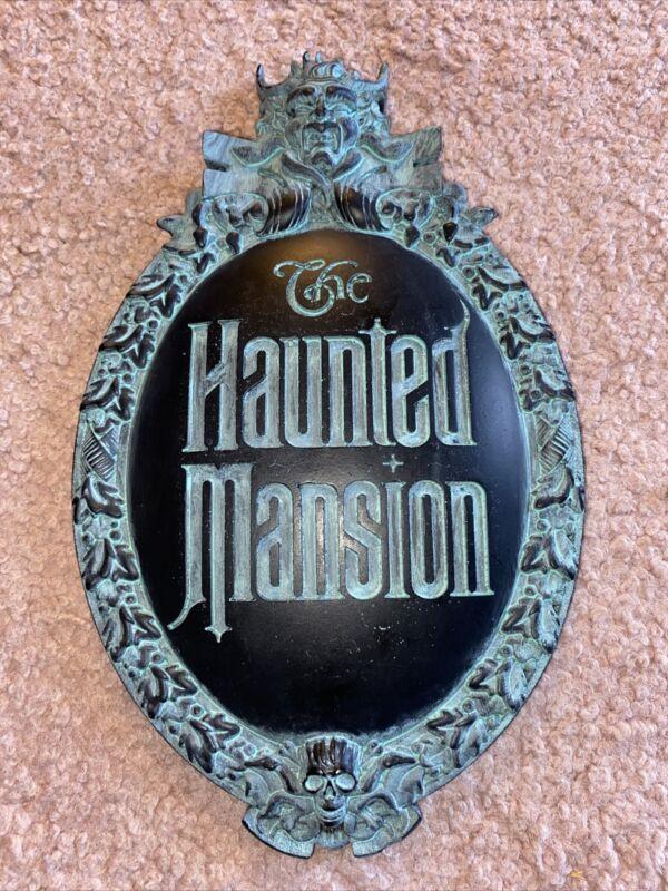 Haunted Mansion Replica Plaque Gate Sign 10 x 6.25 Disney Halloween