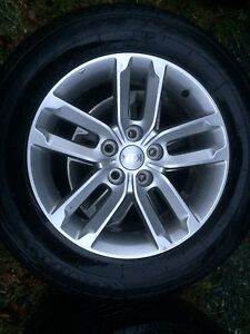 Kia Sorrento rims and tires 235/65R17