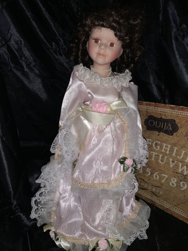 Haunted Porcelain Doll AMY Teacher Paranormal ACTIVE Spirit  Moves Ghost Orbs A3