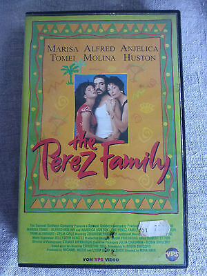 THE PEREZ FAMILY VHS PAL Video MARISA TOMEI Salsa KOMÖDIE Sommer CELIA CRUZ