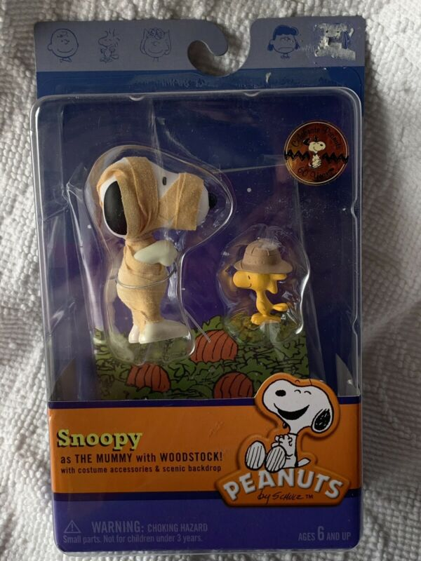 NEW Peanuts Snoopy As The Mummy with Woodstock Decoration Figures