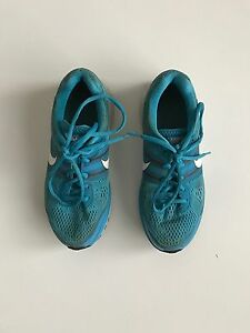 Nike Running Shoes Pegasus 2 9 (blue) Cambridge Kitchener Area image 1