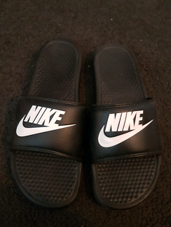 Nike slippers us12