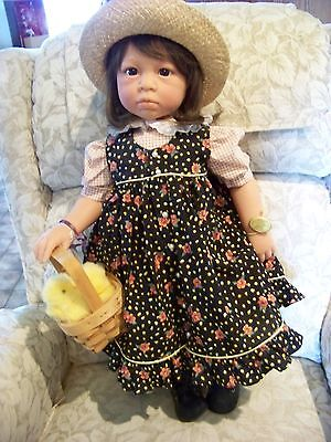 LEE MIDDLETON DOLLS MORNING CHORES 26 INCH CHILD BY EVA HELLAND MIB