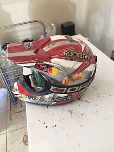 Xl helmet & goggles