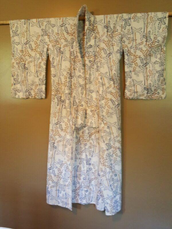 Beautiful Vintage Handmade Silk Japanese Kimono Robe from 30s /40s Tokyo Japan